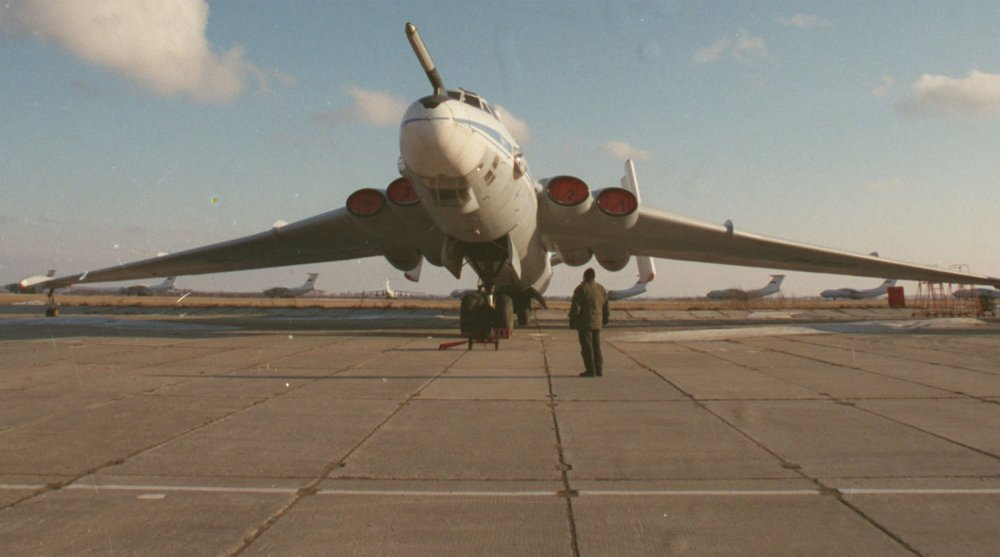 Anh: Myasishchev M-4, doi thu dang gom cua phao dai bay B-52 hinh anh 8