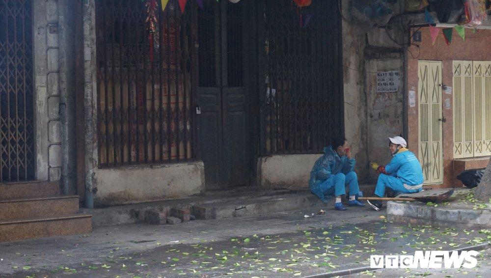 Anh: Pho phuong Ha Noi vang ve sang mung 1 Tet nguyen dan hinh anh 5