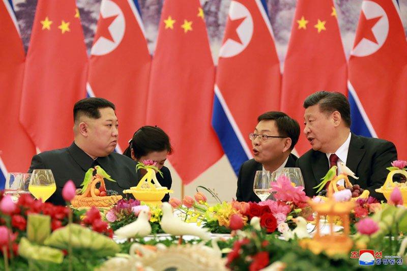 Anh: Can canh quoc yen chieu dai ong Kim Jong-un va phai doan Trieu Tien hinh anh 1