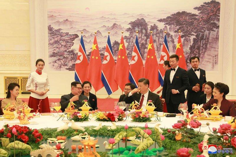 Anh: Can canh quoc yen chieu dai ong Kim Jong-un va phai doan Trieu Tien hinh anh 3