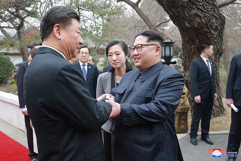 Vo chong ong Kim Jong-un dung bua o dau trong ngay cuoi tham Trung Quoc? hinh anh 9