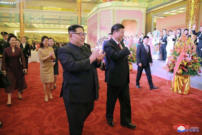 Anh: Can canh quoc yen chieu dai ong Kim Jong-un va phai doan Trieu Tien hinh anh 9