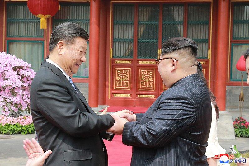Vo chong ong Kim Jong-un dung bua o dau trong ngay cuoi tham Trung Quoc? hinh anh 2