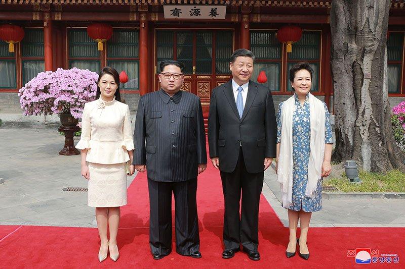 Vo chong ong Kim Jong-un dung bua o dau trong ngay cuoi tham Trung Quoc? hinh anh 4