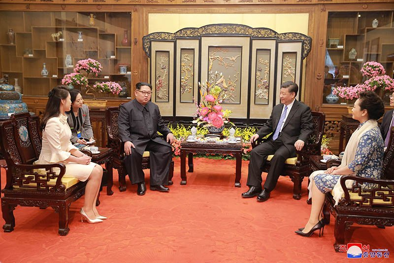 Vo chong ong Kim Jong-un dung bua o dau trong ngay cuoi tham Trung Quoc? hinh anh 5