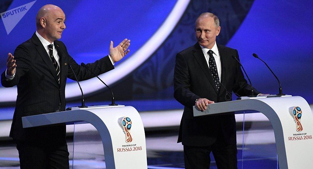 Tong thong Putin: 'Khong duoc phep bien san van dong World Cup thanh cho troi' hinh anh 1
