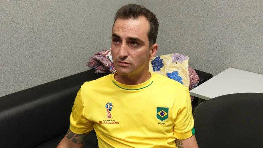 Canh sat Nga de toi pham Brazil xem het tran World Cup cua doi tuyen roi moi bat hinh anh 1