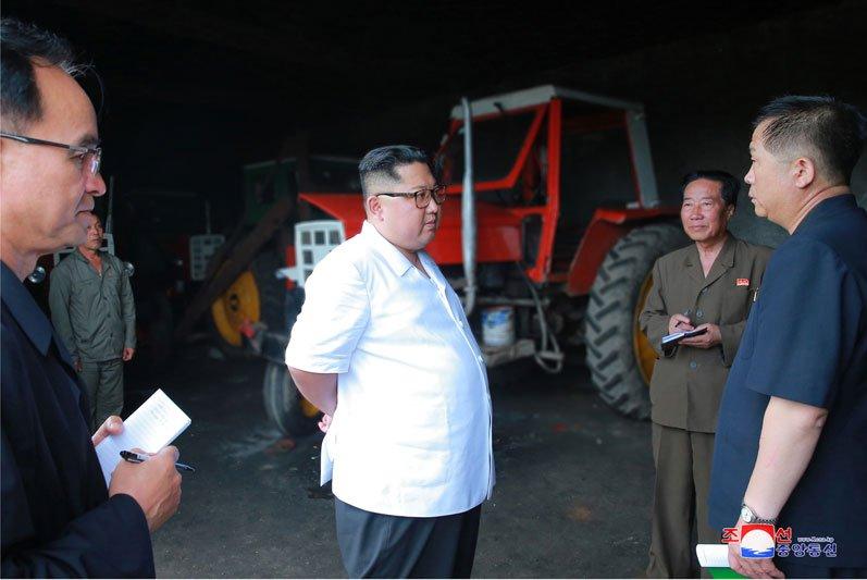 Anh: Ong Kim Jong-un thi sat don vi quan doi va khu vuc giap bien gioi Trung Quoc hinh anh 9