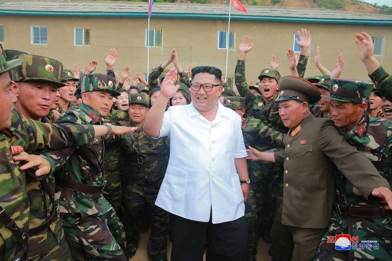 Anh: Ong Kim Jong-un thi sat don vi quan doi va khu vuc giap bien gioi Trung Quoc hinh anh 1