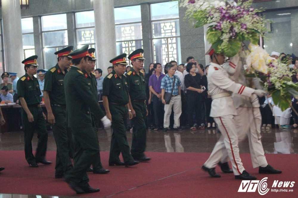 Xuc dong le truy dieu 3 phi cong may bay truc thang roi o Vung Tau hinh anh 5