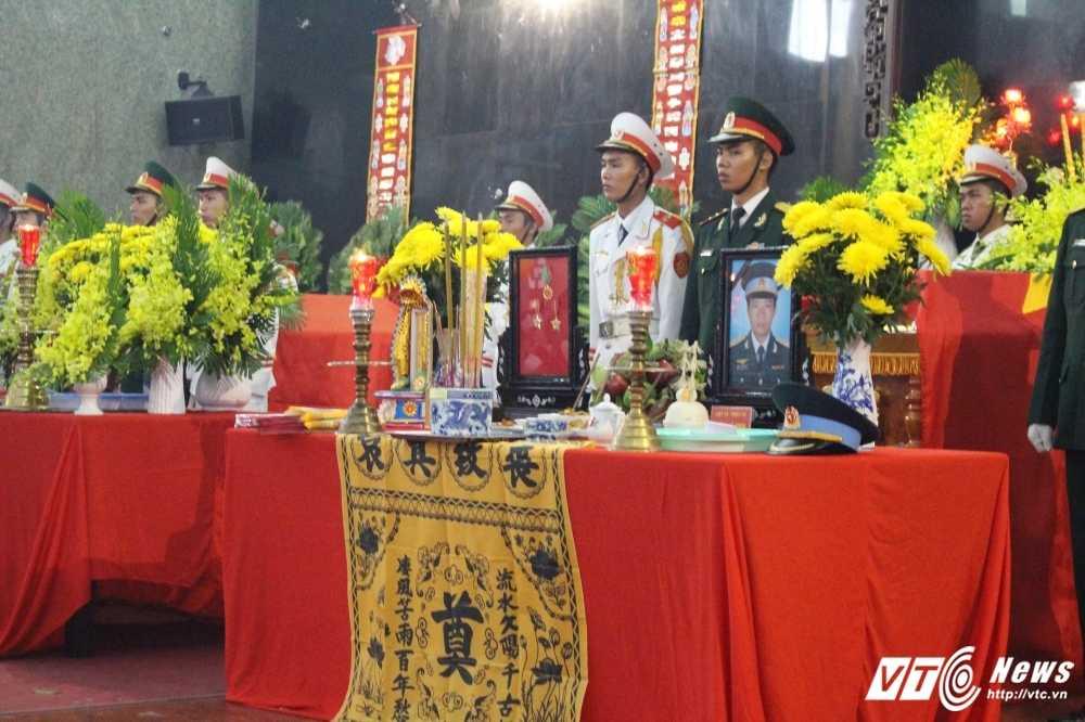 Xuc dong le truy dieu 3 phi cong may bay truc thang roi o Vung Tau hinh anh 4
