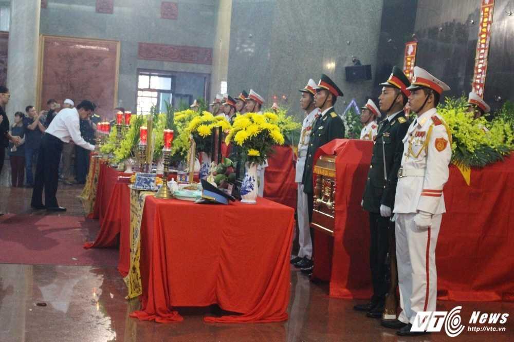 Xuc dong le truy dieu 3 phi cong may bay truc thang roi o Vung Tau hinh anh 3