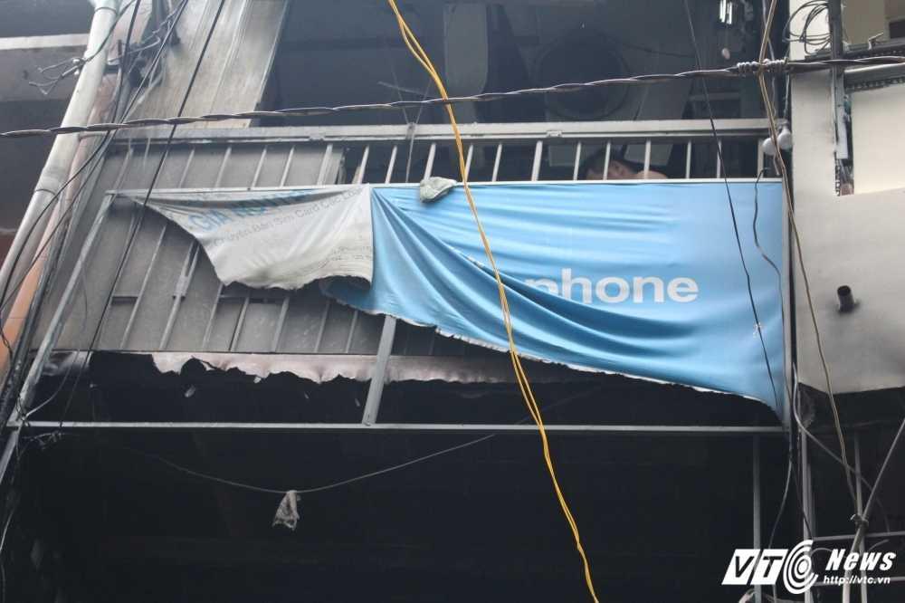 Chay nha o Sai Gon, 8 nguoi thuong vong: Nhieu nguoi nhay tang thoat than hinh anh 2