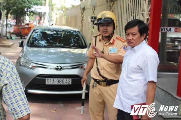 Ong Doan Ngoc Hai: 'Cha me toi cung gan 20 nam buon ban hang rong tren via he' hinh anh 2