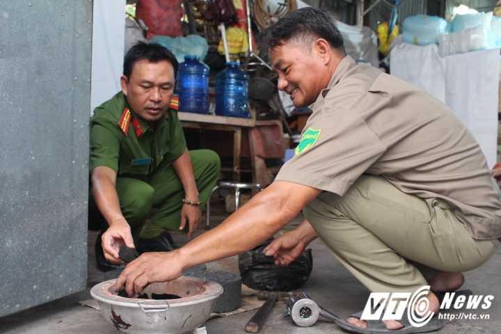 Truong Cong an phuong cung dong doi nau chao cho benh nhan ngheo Sai Gon hinh anh 1
