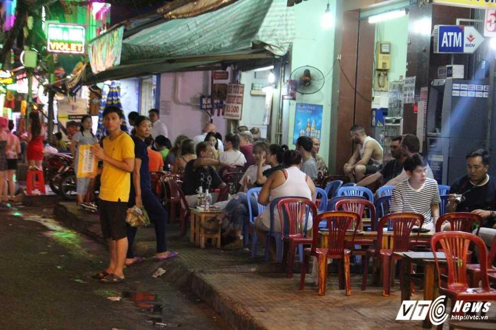 Vang bong ong Doan Ngoc Hai, via he quan 1 lai bi cuop trang tron trong dem hinh anh 7