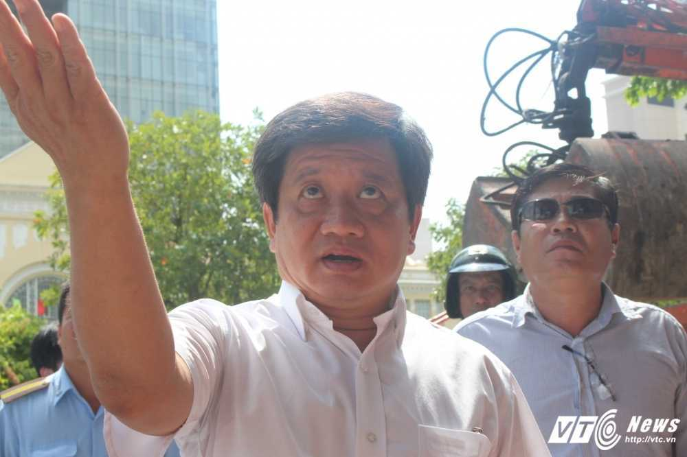 Ong Doan Ngoc Hai chi dao dap bo bac tam cap mot toa nha 'cuop' via he hinh anh 2