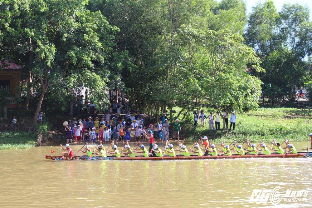 Kich tinh man dua thuyen dai hon 24km tren que huong Dai tuong Vo Nguyen Giap hinh anh 4