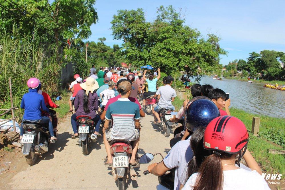 Kich tinh man dua thuyen dai hon 24km tren que huong Dai tuong Vo Nguyen Giap hinh anh 19