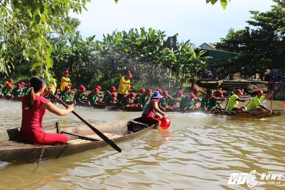 Kich tinh man dua thuyen dai hon 24km tren que huong Dai tuong Vo Nguyen Giap hinh anh 12