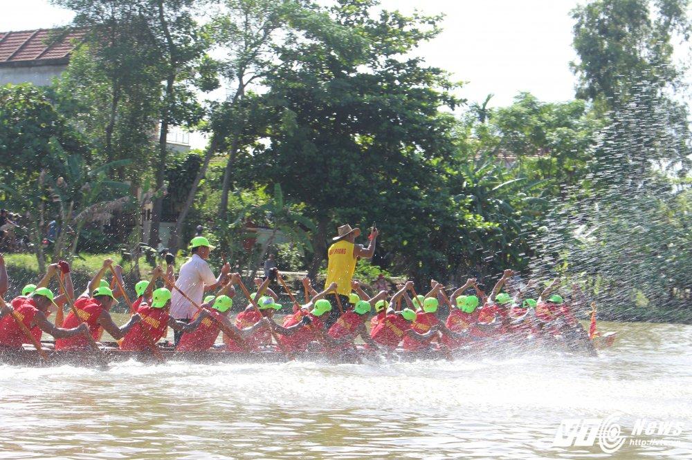 Kich tinh man dua thuyen dai hon 24km tren que huong Dai tuong Vo Nguyen Giap hinh anh 8