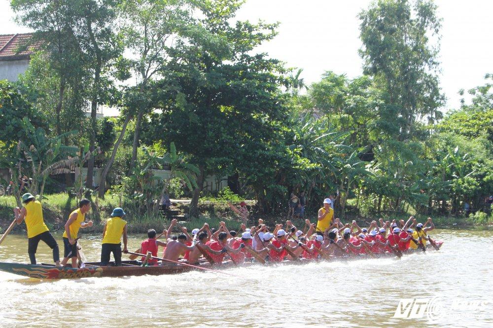 Kich tinh man dua thuyen dai hon 24km tren que huong Dai tuong Vo Nguyen Giap hinh anh 6