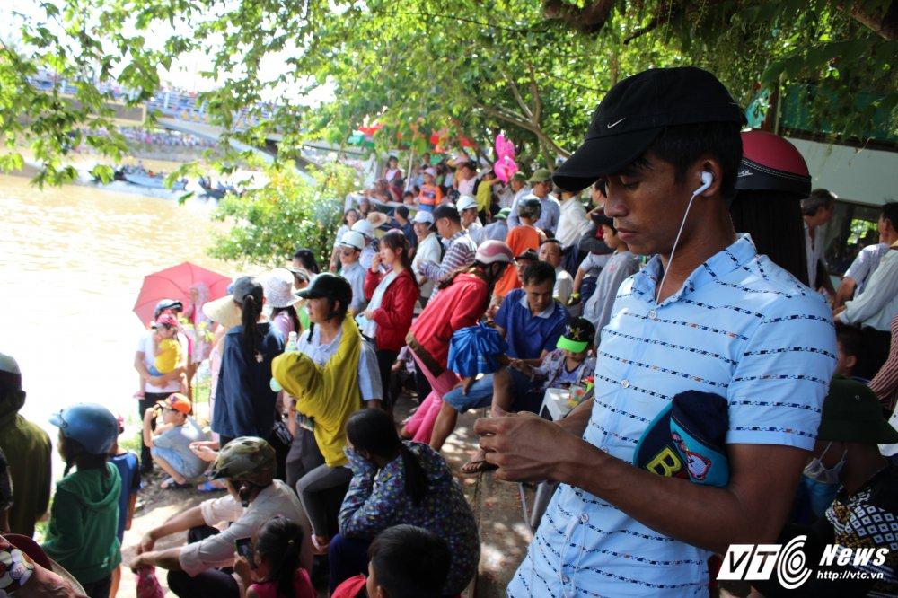Kich tinh man dua thuyen dai hon 24km tren que huong Dai tuong Vo Nguyen Giap hinh anh 16