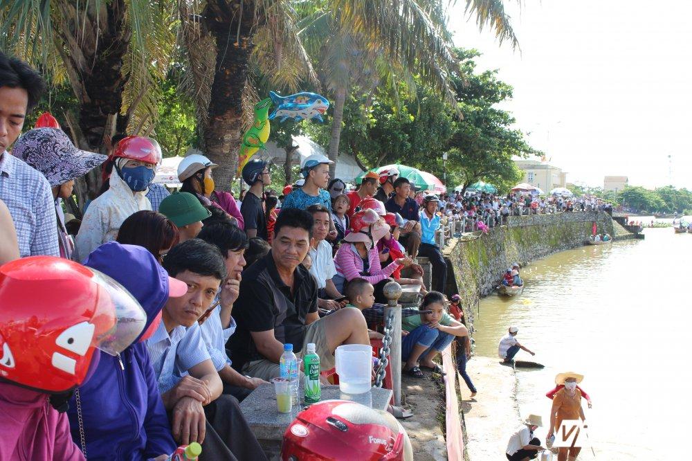 Kich tinh man dua thuyen dai hon 24km tren que huong Dai tuong Vo Nguyen Giap hinh anh 17