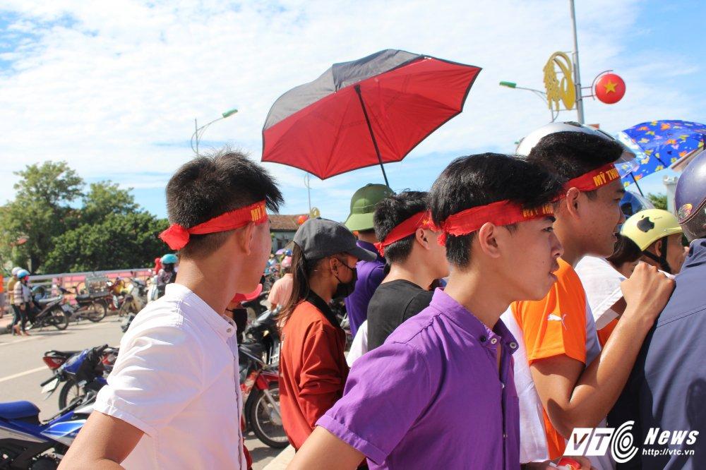 Kich tinh man dua thuyen dai hon 24km tren que huong Dai tuong Vo Nguyen Giap hinh anh 15