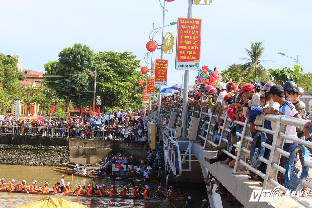 Kich tinh man dua thuyen dai hon 24km tren que huong Dai tuong Vo Nguyen Giap hinh anh 1
