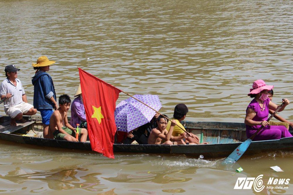 Kich tinh man dua thuyen dai hon 24km tren que huong Dai tuong Vo Nguyen Giap hinh anh 13