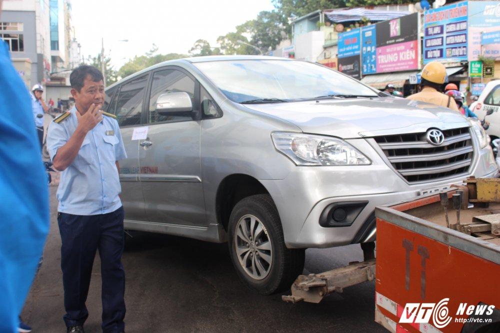 Ong Doan Ngoc Hai: 'Ai chong lung cho anh kinh doanh khong phep 10 nam?' hinh anh 3