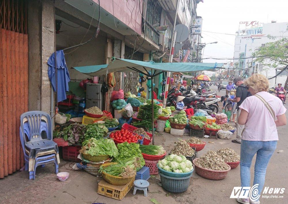 Vang bong ong Doan Ngoc Hai, via he quan 1 bien thanh cho hinh anh 14
