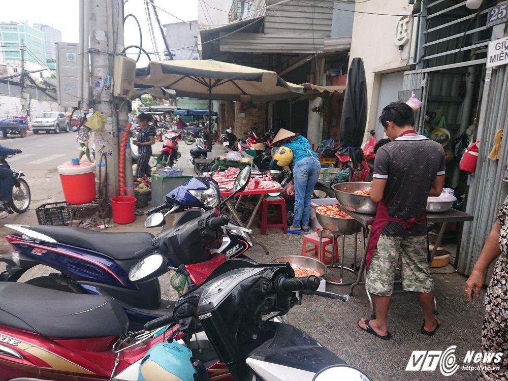 Vang bong ong Doan Ngoc Hai, via he quan 1 bien thanh cho hinh anh 11