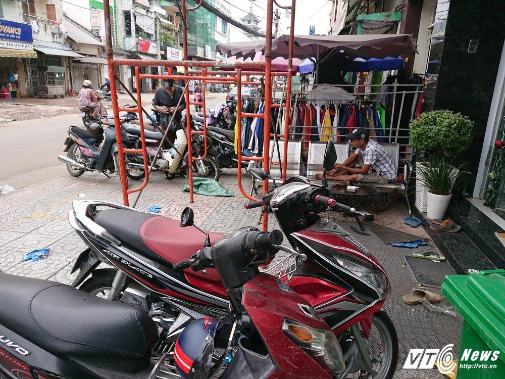 Vang bong ong Doan Ngoc Hai, via he quan 1 bien thanh cho hinh anh 9