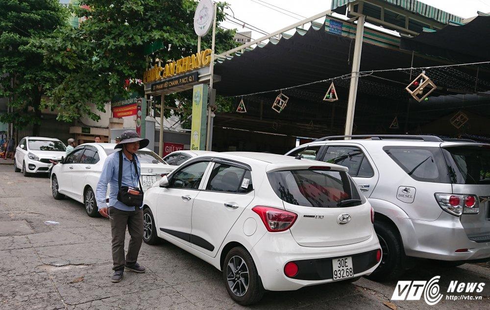 Vang bong ong Doan Ngoc Hai, via he quan 1 bien thanh cho hinh anh 4