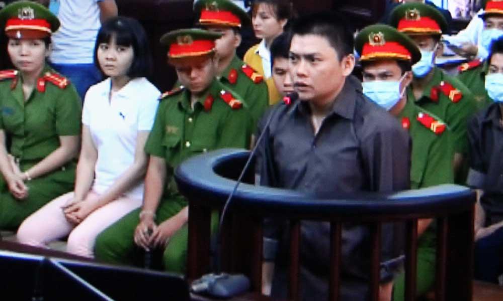 Nhom phan dong dung bom xang khung bo san bay Tan Son Nhat bi de nghi muc an cao nhat 18 nam tu hinh anh 1