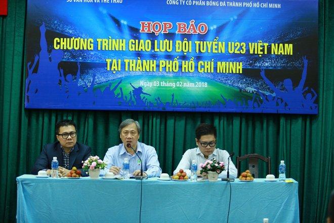 Chieu mai, U23 Viet Nam giao luu voi nguoi ham mo TP.HCM tai san Thong Nhat hinh anh 1