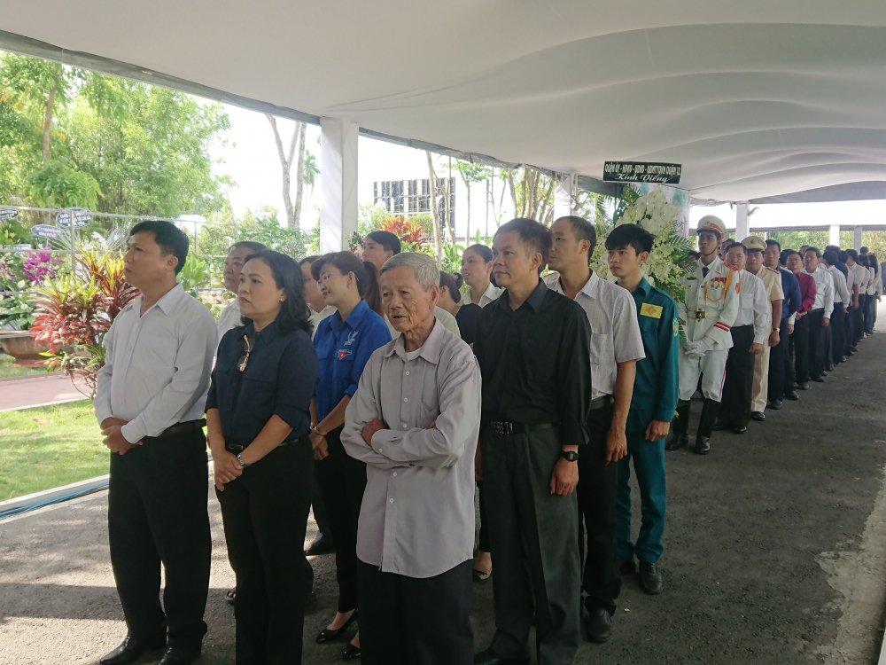 Thu tuong Nguyen Xuan Phuc den vieng co Thu tuong Phan Van Khai hinh anh 2