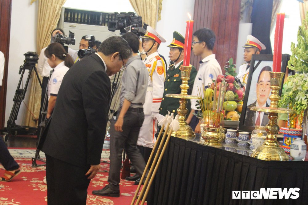 Nhieu doan quoc te vieng nguyen Thu tuong Phan Van Khai hinh anh 4
