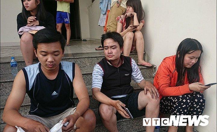 Chay chung cu o Sai Gon: Nan nhan ke giay phut do dam tim duong thoat than hinh anh 1