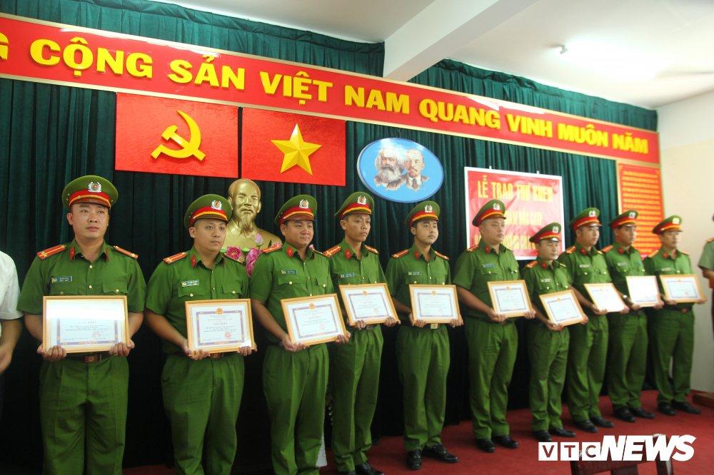 Pho giam doc Cong an TP.HCM: Dun day pha an, khi thanh cong thi vo cong trang ve minh hinh anh 2