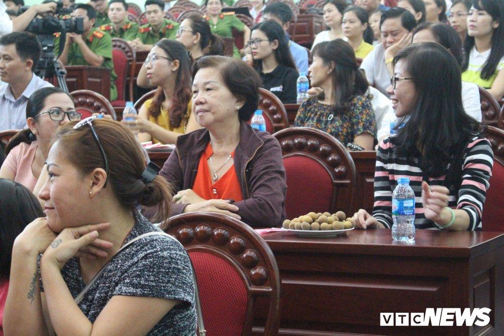Canh sat Phong chay chua chay xuc dong nhan loi tri an cua cu dan Carina hinh anh 1