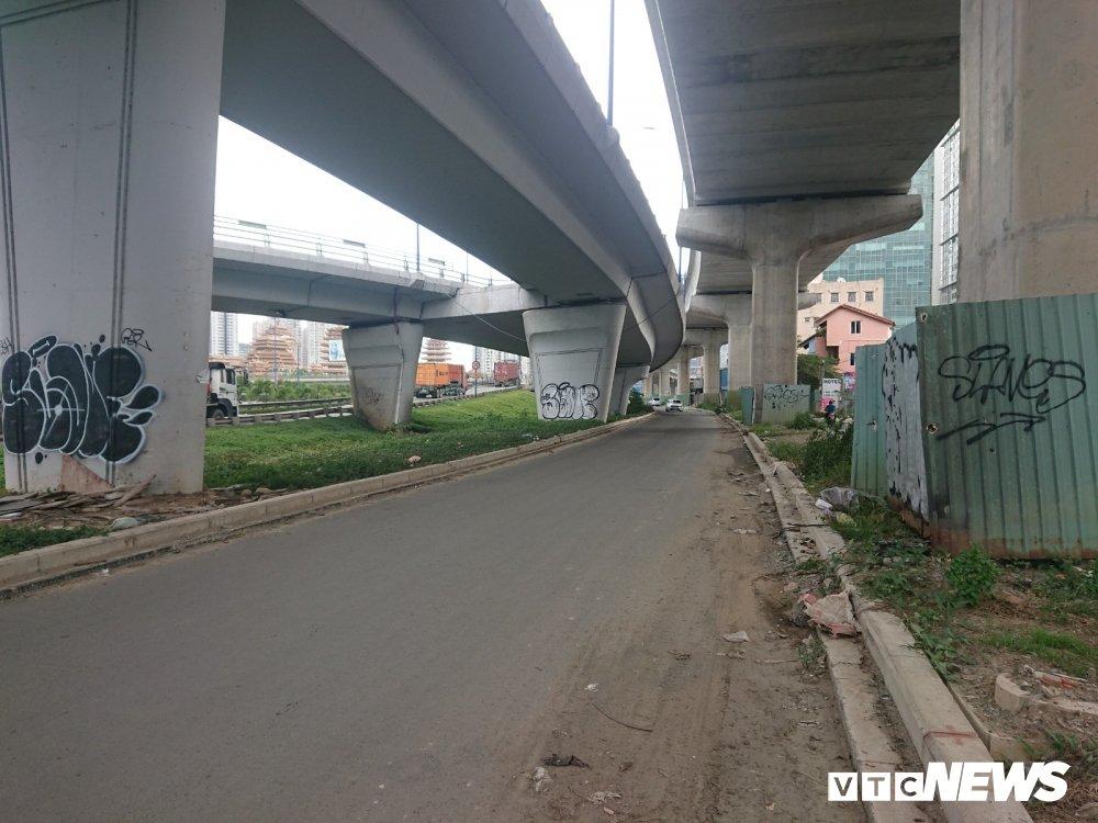 Metro Ben Thanh - Suoi Tien dang thi cong: Tru cau chi chit hinh ve nguech ngoac hinh anh 1