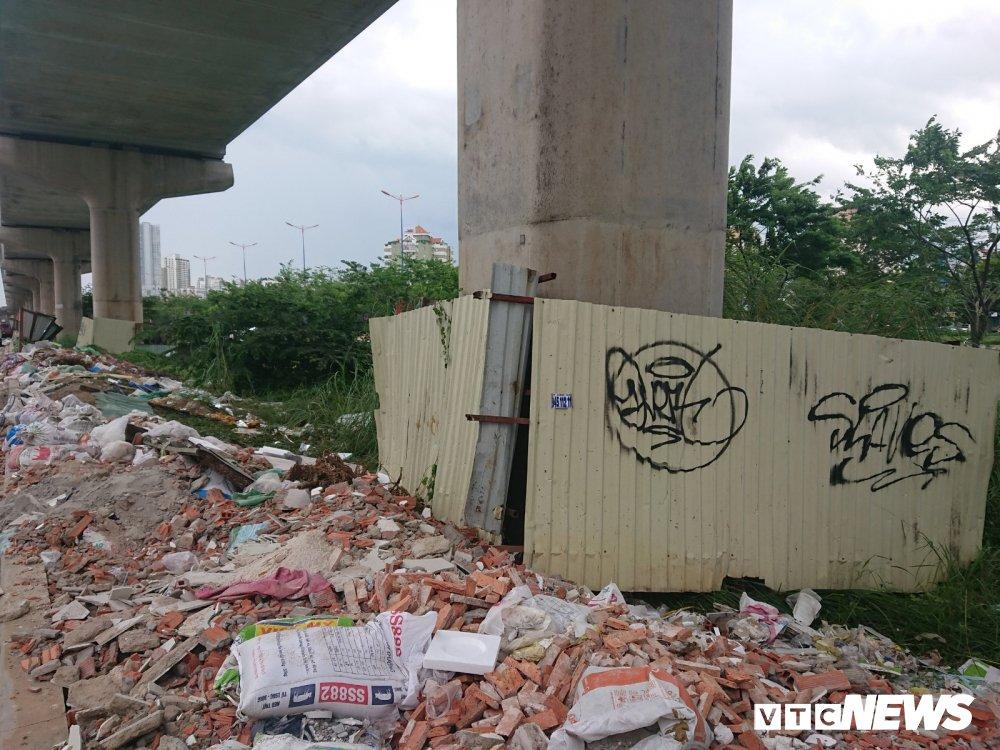 Metro Ben Thanh - Suoi Tien dang thi cong: Tru cau chi chit hinh ve nguech ngoac hinh anh 10