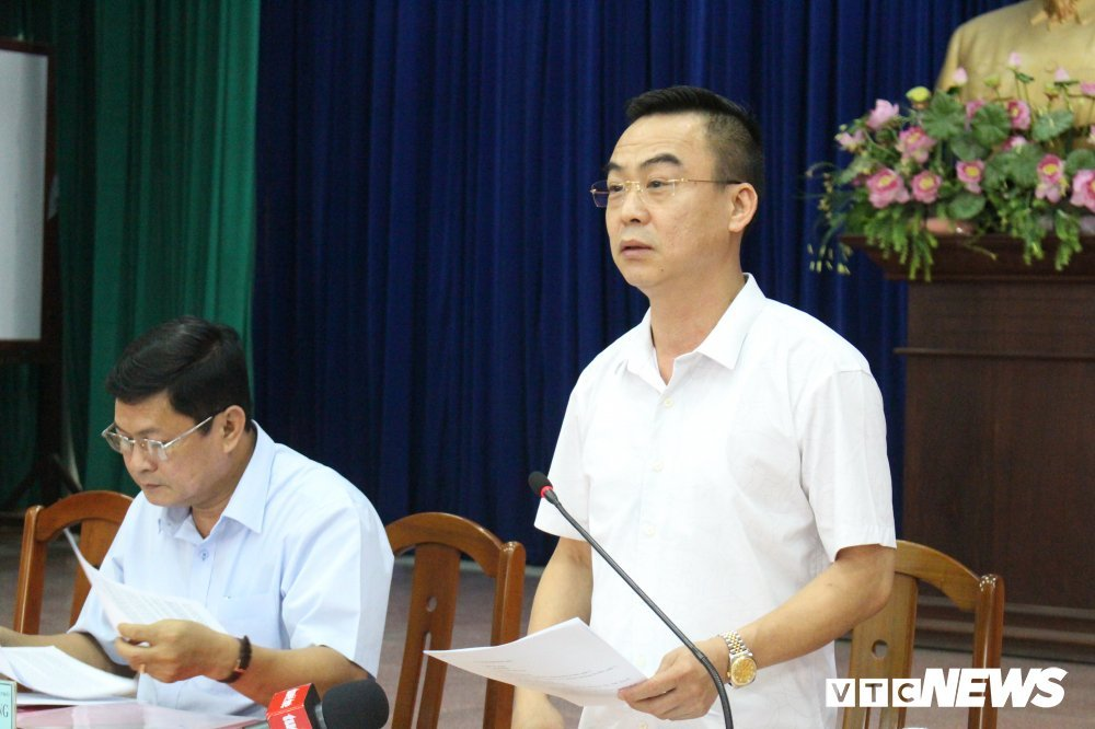 Bi thu TP.HCM Nguyen Thien Nhan tiep xuc voi dan Thu Thiem hinh anh 1
