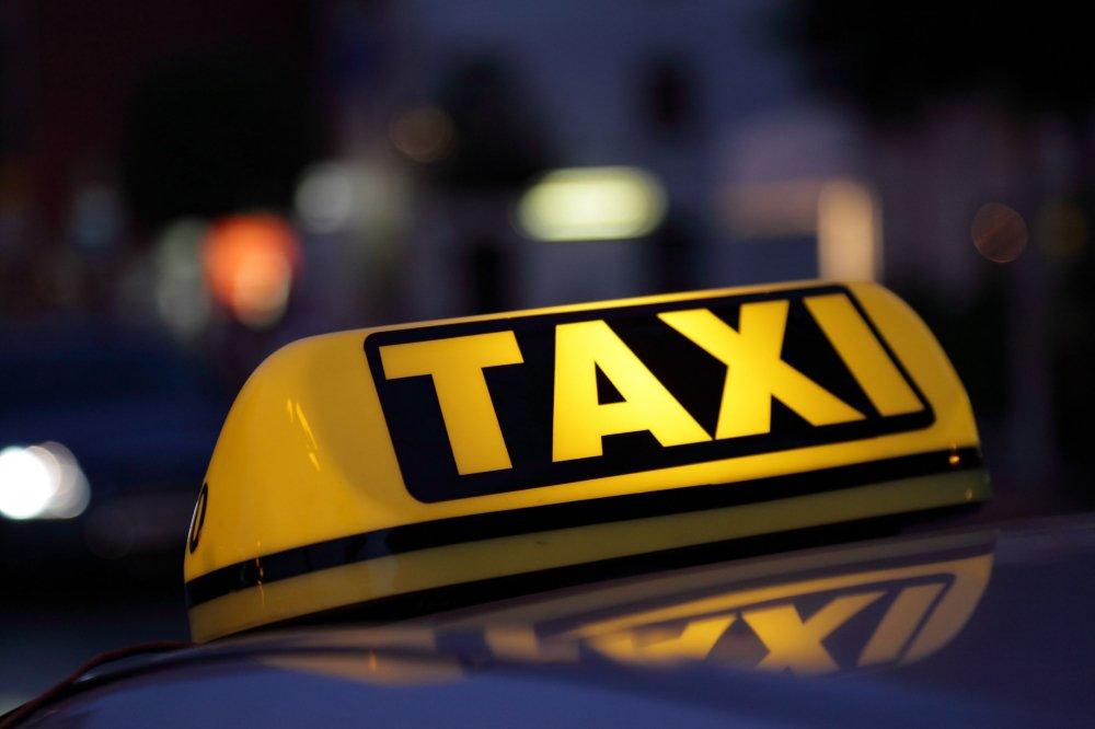 Thiet ke 'dong phuc' cho taxi Ha Noi tu nam 2018 hinh anh 1
