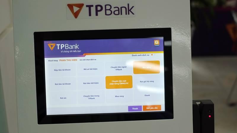 TPBank quyet tam phan luong khach hang bang cong nghe 'khong cham' hinh anh 2