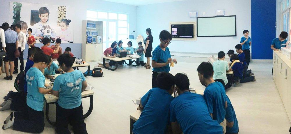Truong THCS Nguyen Van To khanh thanh VESA Robotics Club hinh anh 4