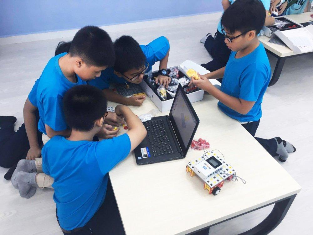 Truong THCS Nguyen Van To khanh thanh VESA Robotics Club hinh anh 5